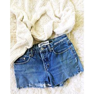 Vintage High waisted denim shorts ☕️